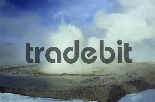 Product picture erupting geysir in Yellowstone National Park