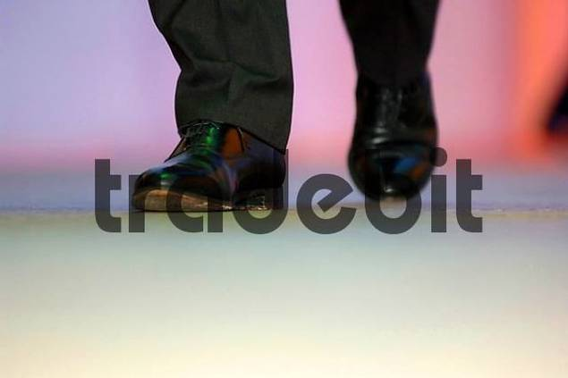 Product picture walking man footfalls